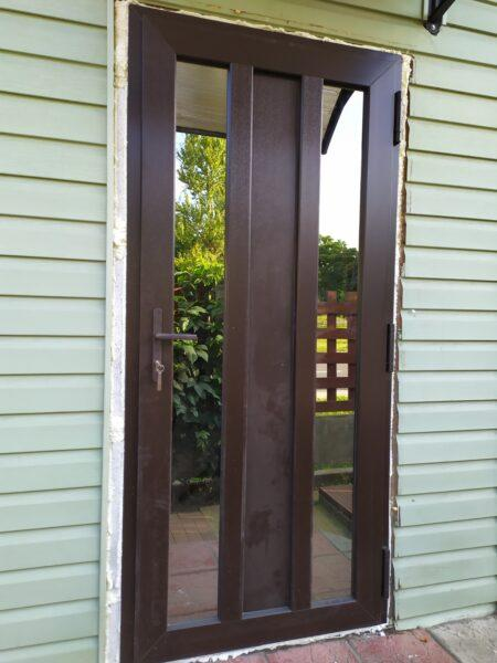 двери с зеркалом